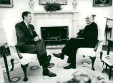 US President Ronald Reagan meets with Israeli Prime Minister Menachem Begin in the White House