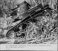 American tanks during an exercise in Hawaii. - 15 March 1942