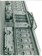 Buckingham Palace arch  with the furniture of Prince Charles was one of the lorries lost in the collision.