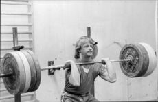Jan Eriksson lifting weights