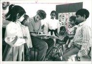Schools 1988:Menda groeneveldt teaching at shapla school.