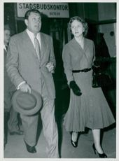 US President Truman's daughter Miss Margaret Truman arrives at Stockholm Central