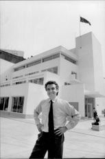 The museum chief Stephen Bayley poses in front of the Design Museum in London
