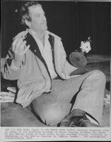 Richard Dreyfuss on stage at the Brooklyn Academy of Music with his Oscar