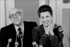 Mstislav Rostropovich together with his wife opera singer Galina Vishnevskaya at a press conference in Paris