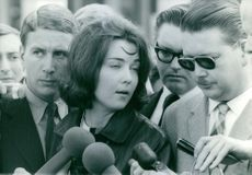 1965  Judy Todd interviewed by media. Rhodesia