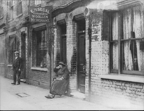 Cannon Street Road in Stepney 1928