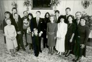 US President Ronald Reagan and his wife Nancy surrounded by their family