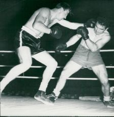 Olle Tandberg in boxing match against Mazzali - 10 October 1948