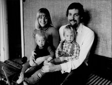 Rolf Edling with wife and child