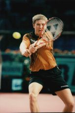 Yevgueni Kafelnikov in the Paris Open.
