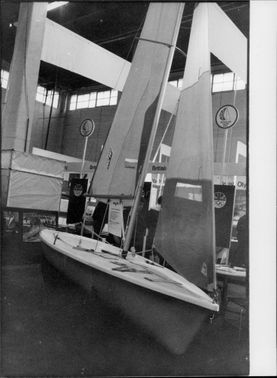 """""""Laser Fun"""" for family skiing is presented at the boating fair at Earls Court"""