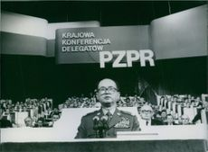 Polish politician, Wojciech Jaruzelski addresses party delegates, 1984.