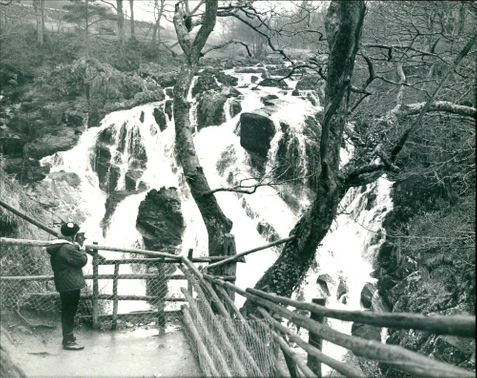 Bettws-Y-Coed: Swallow Falls.