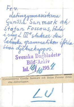 Strängnäs. Gymnasists Gunilla Sanmark and Stefan Fosseus made use of their jackets