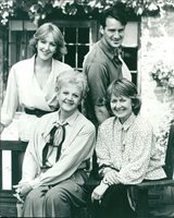 Christopher Bowen, Angela Lansbury, Patricia Hodge and Anna Carteret in The Shell Seekers