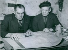 Engineer Nilsson studying the chart. 1945