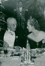 King Gustaf V and Princess Sibylla during the gala dinner at the castle