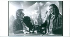 """Ralph Fiennes and Tom Sizemore in the film """"Strange Days"""", 1995."""