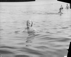 Clementine Churchill enjoying bathing on the Lido.