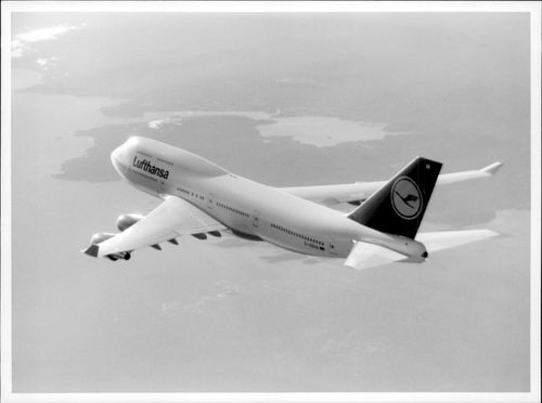 An aircraft of the Boeing 747-400 model that is part of the Lufthansa fleet.