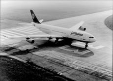 One of Lufthansa's Airbus A340.