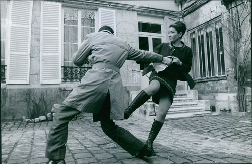 A LADY FIGHT WITH A MAN