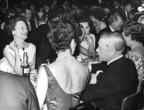 Duke of Windsor enjoying with his friends.