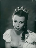 Claire Bloom,