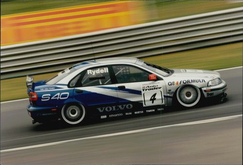 Rickard Rydell during the BTCC Contest on Brands Hatch.