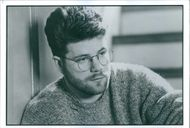 Sean Astin as Izzy Singer in the film