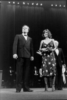 Sally Fields is awarding a prize together with Bruno Cremer.