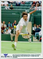 Michael Stich is about to beat Jim Courier in the Wimbledon Championship