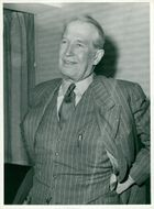 Maurice Chevalier arrives at Bromma