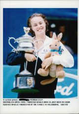 Martina Hingis wins Australian Open