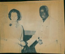 Prime Minister Margaret Thatcher receives President Kenneth Kaunda