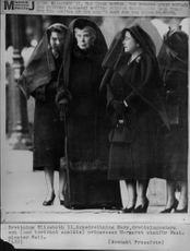 Queen Elizabeth II, widow queen Mary, queen mother and princess Margaret outside Westminster Hall