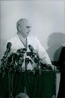 Professor Adrian Kantrowitz delivering his speech during press conference. 1968.