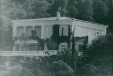 The residence of Stavros Niarchos surrounded by trees, 1970.