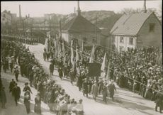 The funeral process for August Strindberg passes at Norrtull.