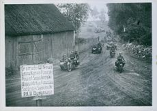 Motorized troops on the advance Tobis - Wochenschau.
