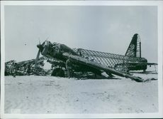 Right English airplane as deployed in Cyrenaica by the Italians.