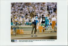 Carl Lewis received the jubilee of the audience for the profit of 8.50 meters long jump.