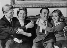 "Johan Jonatan ""Jussi"" Björling sitting with his family."