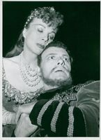 "Karin Kavli and Kolbjörn Knudsen in ""Hamlet"" at Göteborg City Theater"