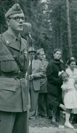 The head of the Home Guard defense force Curt Sahlström speak at the inauguration of Huddinge defence farm. 19th of June 1954.