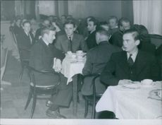 Svensk Ungdom (English: Swedish Youth) holds it's first club evening 1943.