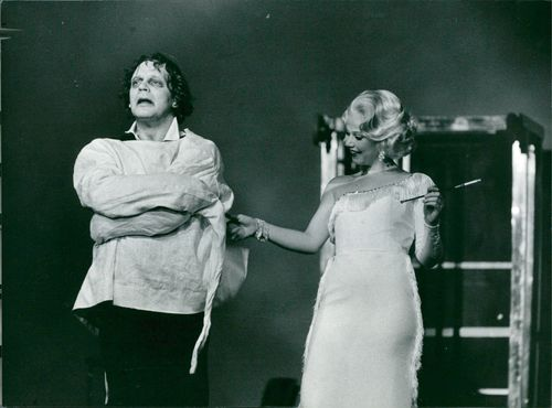 """Börje Ahlstedt and Gunilla Olsson in the """"White Room"""" at Dramaten"""