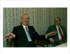 Lee Iacocca with robert J Eaton.