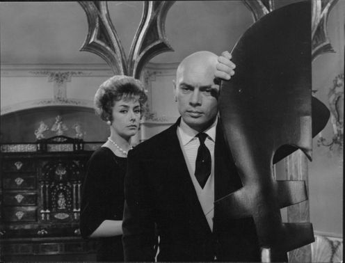 Yul Brynner with woman.